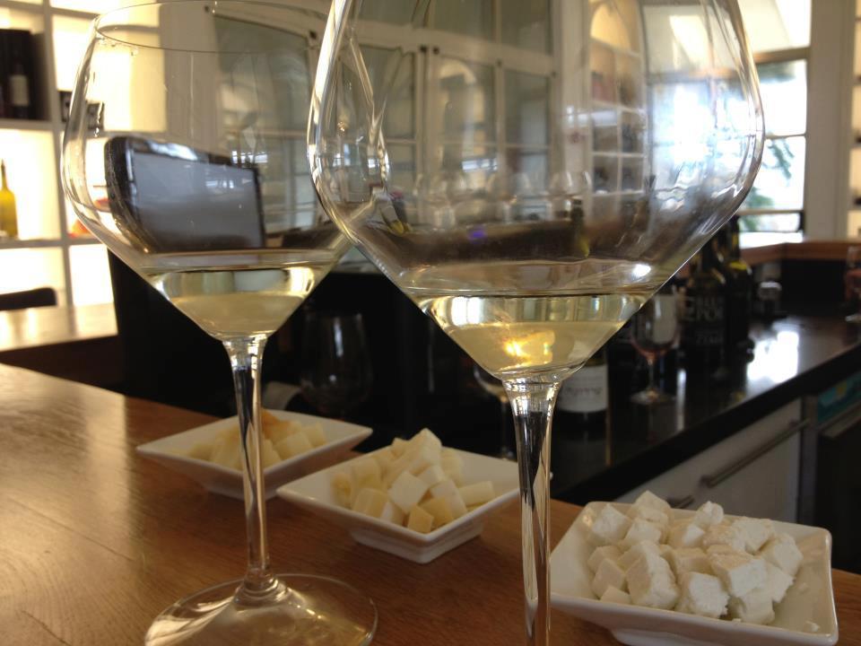רעיונות ליום כיף - סדנת יין וגבינות